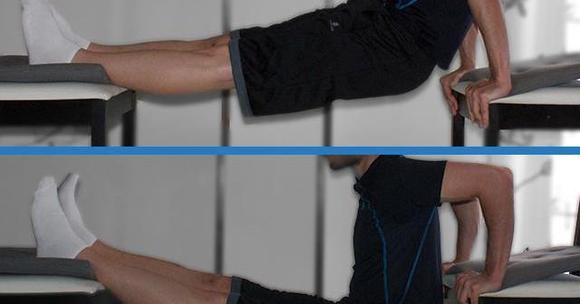 Ejercicio de tríceps con pies elevados