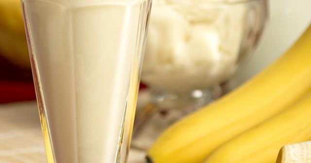 batido de proteínas de plátano