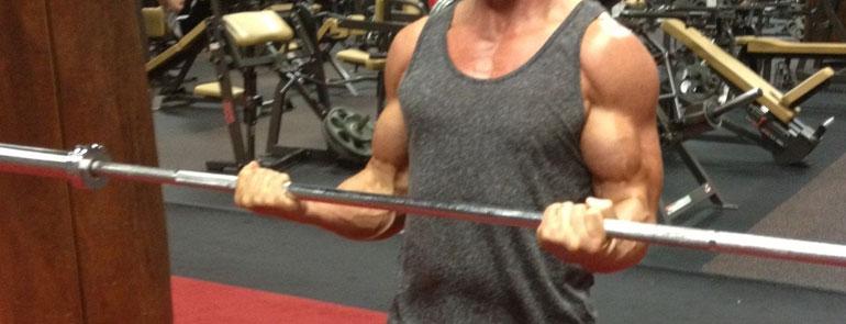 Ejercicio para brazos curl de biceps 21