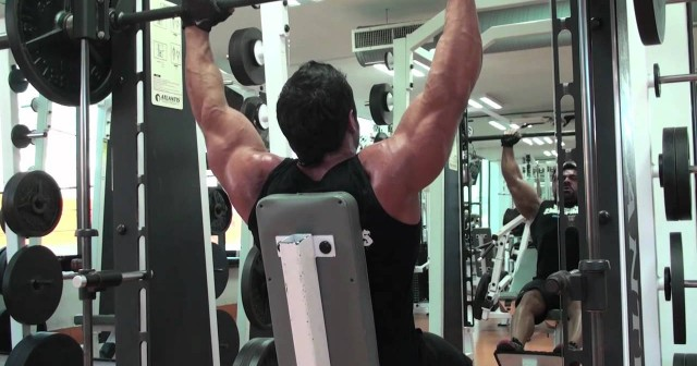 rutinas de ejercicio para hombros