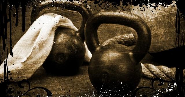 Entrenamiento para definir músculo con pesas rusas