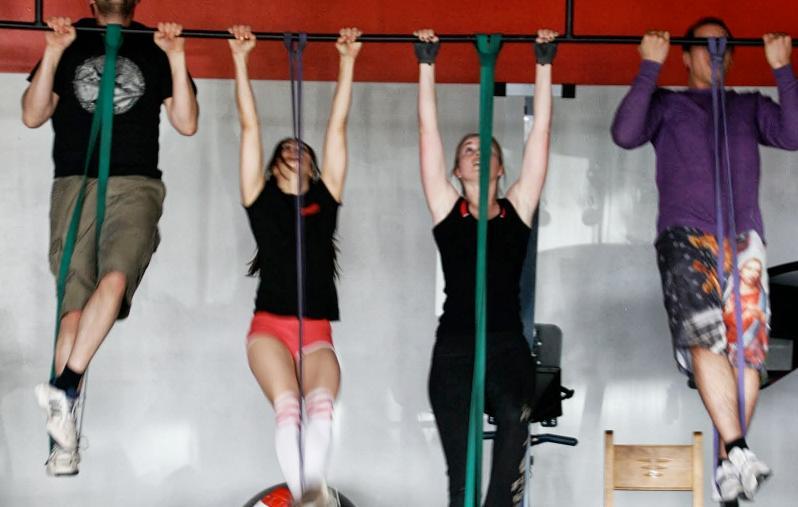 Dominadas asistidas ejercicios en casa - Barras de ejercicio para casa ...