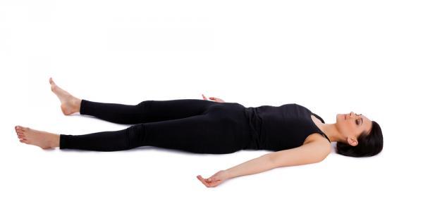 postura del muerto