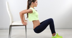 Rutina de ejercicios en casa con pesas