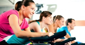 Rutina de ejercicios para tonificar piernas y brazos en casa