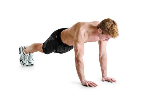 flexiones close grip con rodillas apoyadas en el suelo