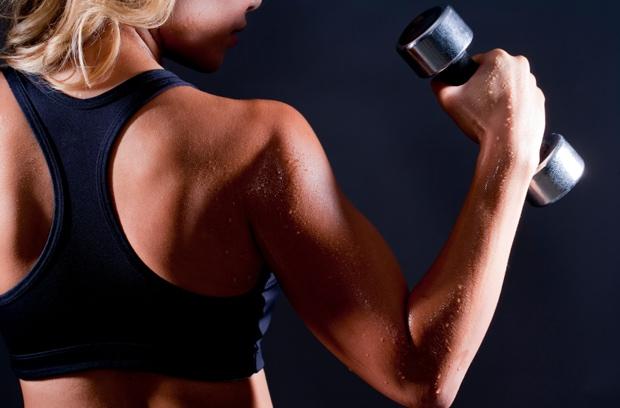 Rutina de ejercicios en casa para brazos tonificados