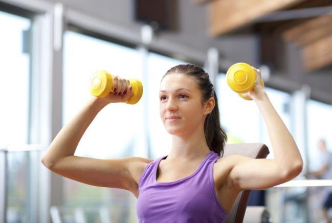 rutina de entrenamiento para principiantes con mancuernas para hacer rh ejerciciosencasa as com entrenamiento de pesas para principiantes rutina ejercicios pesas para principiantes