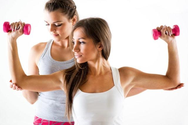 mujeres-haciendo-ejercicio-en-casa