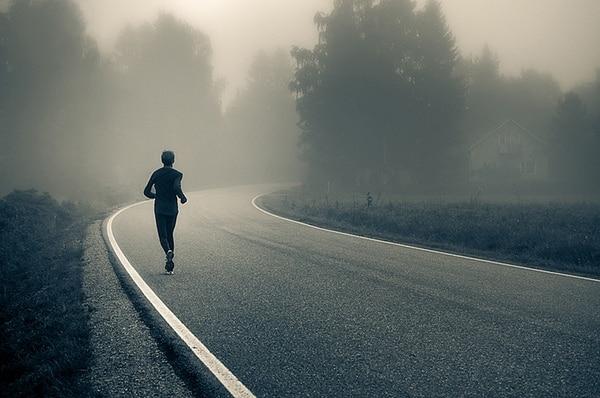 correr en asfalto