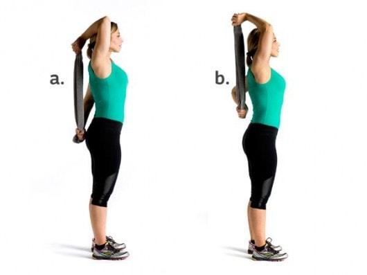 ejercicio-de-triceps-con-toalla