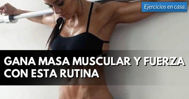 chica fitness con abs definidos